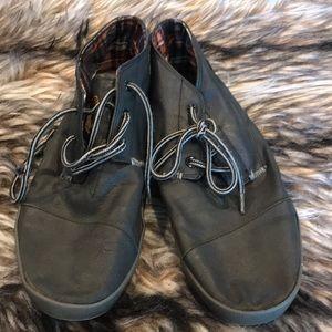 Toms boots men's size 10.5